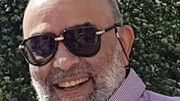 شاهد.. أشرف السعد يرفع صورة الرئيس السيسي في السماء