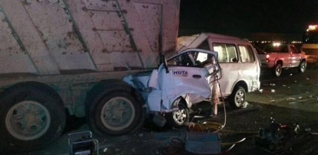 """إصابة 10 عمال في حادث انقلاب سيارة نقل بـ""""صحراوي بني سويف"""""""