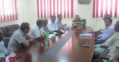 رئيس مدينة الطود يجتمع برؤساء القرى لبحث خطط مواجهة السيول