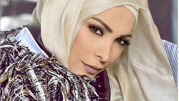 بعد ارتدائها الحجاب.. مايوه أمل حجازي يثير الجدل على السوشيال ميديا