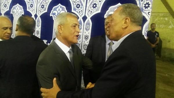 محافظ المنوفية يقدم العزاء في شقيقة الرئيس السادات بتلا ...صور