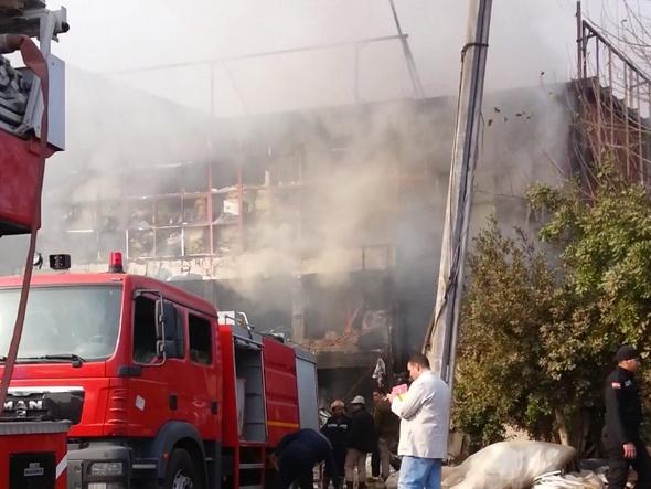 السيطرة على حريق هائل بمصنع بالعبور