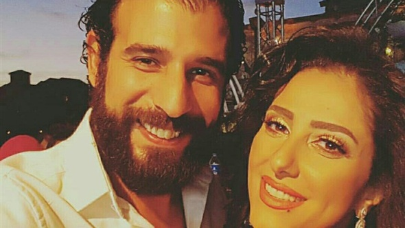 حنان مطاوع وزوجها فى زفاف الرداد وايمى