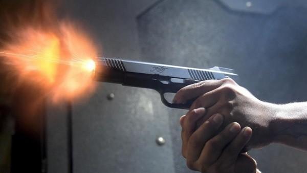 مختل عقليا يقتل أمه وأبوه وأشقاءه ويصيب معاون مباحث أوسيم بـ 3 طلقات في بطنه