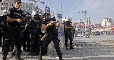 لاجئون يضرمون النار فى مركز ترحيل وسط اسطنبول احتجاجا على سوء أوضاعهم