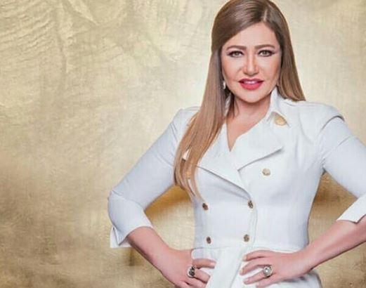 «الفستان الأبيض» يثير إعجاب جمهور ليلى علوي خلال جلسة تصوير جديدة