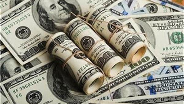 تراجع ملحوظ للدولار أمام الجنيه المصري خلال تعاملات اليوم