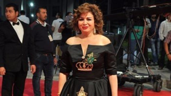 شاهد.. إطلالة إلهام شاهين في افتتاح مهرجان بيروت لسينما المرأة
