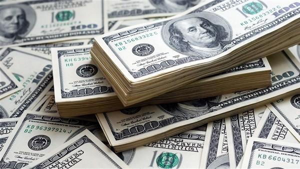 تراجع ملحوظ فى أسعار الدولار بعدد من البنوك المصرية