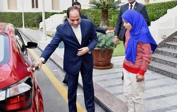 وزير الإسكان يخصص وحدة سكانية لفتاة البضائع