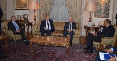 سامح شكرى يبحث مع عزام الأحمد آخر تطورات عملية المصالحة الوطنية الفلسطينية