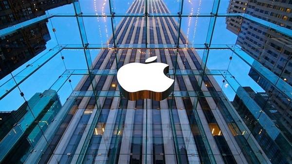 «آيفون» يتراجع إلى المركز الرابع في سوق الهواتف العالمية