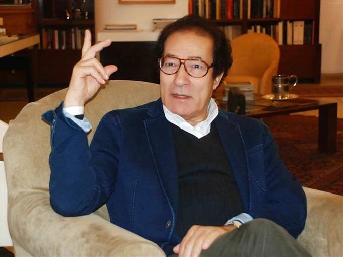 فاروق حسني يتقدم ببلاغ ضد جلال الشرقاوي