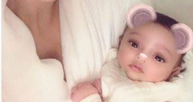 """كيم كاردشيان تنشر أول صورة لطفلتها الجديدة """"شيكاغو"""""""