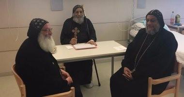 البابا تواضروس يستقبل رهبان ميلانو في المستشفى التي يتلقى بها العلاج بألمانيا