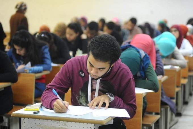 «التعليم»: امتحان اللغة الإنجليزية للثانوية العامة قبل العيد.. وتعديل ترتيب باقي المواد