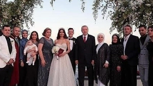 حفل زفاف اسطوري لأوزيل بحضور أردوغان..صور