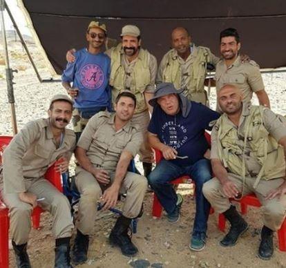 أحمد صلاح حسني ينشر صور جديدة من كواليس فيلم «الممر»