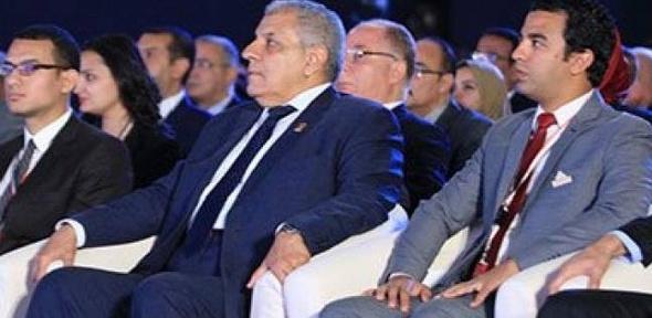 """محلب يدعو الشركات الفرنسية للاستثمار في مصر.. ويؤكد: """"الاقتصاد سيتحسن"""""""