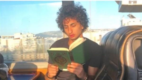 الوجه الآخر لـ عمرو وردة.. يرى أن القرآن سر نجاحه.. ويحرص على أداء العمرة كل عام.. وصاحب قصة حب غريبة