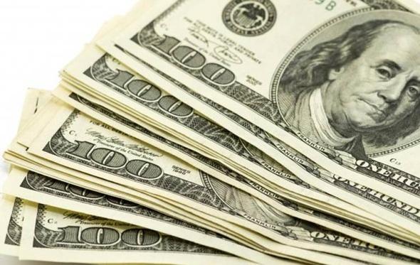 الدولار يخسر 65 قرشًا في ساعة