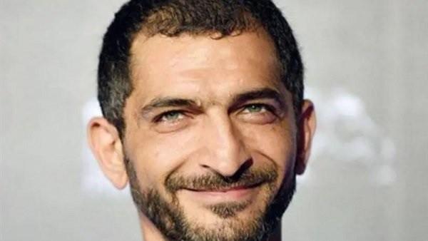 المحامي سمير صبري يفجر مفاجأة حول علاقة عمرو واكد بالإخوان.. فيديو