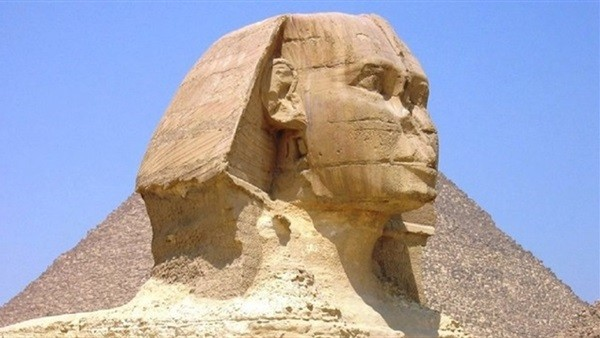 عمرو أديب يكشف سر تحطيم الفراعنة أنف أبو الهول.. فيديو