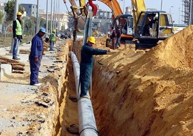 «الملا» يوجه بالإسراع في مد شبكات الغاز الطبيعي للمنازل في المحافظات