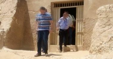 صور..وزير الآثار يتفقد عددا من المناطق الأثرية في أسيوط