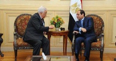 الرئيس الفلسطينى يثمن دور مصر لتحقيق المصالحة فى اتصال هاتفى بالرئيس السيسى