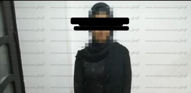 خشيت افتضاح أمرها.. حبس طالبة قتلت والدتها بسبب مكالمة جنسية ببنها