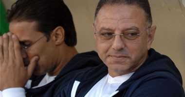 طلعت يوسف يعتذر عن تدريب المنتخب الأوليمبى بسبب أهلى طرابلس