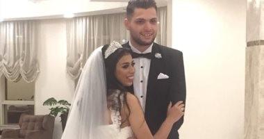 """صور.. """"دولا"""" الأهلى يحتفل بزفافه على نجمة الطائرة مايا ممدوح"""