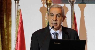 """وزير التجارة يفتتح معرض """"دستنيشن أفريكا"""" للصناعات النسجية"""
