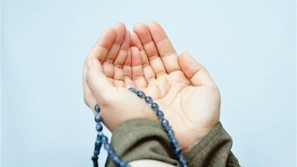 اغتنم.. 9 كلمات أوصى النبي بترديدها تجعل الله يستجيب دعاءك فورا