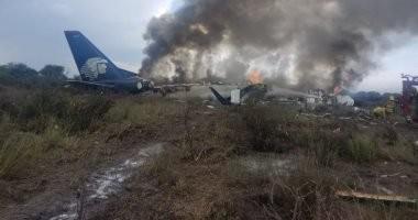 فيديو وصور... تحطم طائرة ركاب تقل 101 شخص فى المكسيك