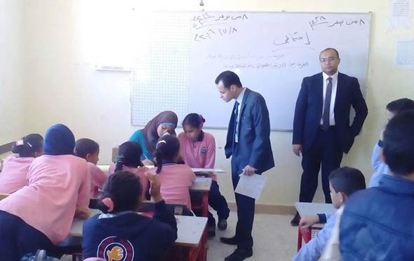 بالصور.. النيابة تستمع لشهادة الطلاب في واقعة ضرب مدرس لزميلهم بالبحر الأحمر