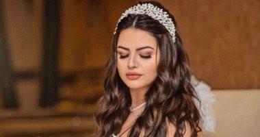 هنادى مهنى بـ فستان زفاف أبيض في إحدى عروض الأزياء .. سعره 8 ملايين جنيه
