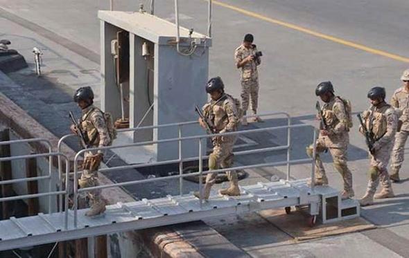وزير الدفاع يشهد أكبر مناورة بالذخيره الحية على الحدود الغربية