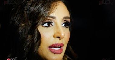 صور.. حالة حب بين أنغام وأحمد ابراهيم على السجادة الحمراء بحفل توقيع ألبومها