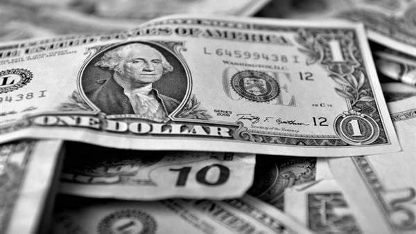 انخفاض جديد لـ الدولار.. سعر الشراء بـ 16.70 جنيه في البنوك
