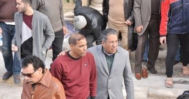 صور.. خالد بيبو وهشام حنفي وصناع الموسيقى فى جنازة والدة عصام كاريكا
