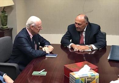 وزير الخارجية يلتقي المبعوث الأممي لسوريا بمقر بعثة مصر لدى الأمم المتحدة في نيويورك