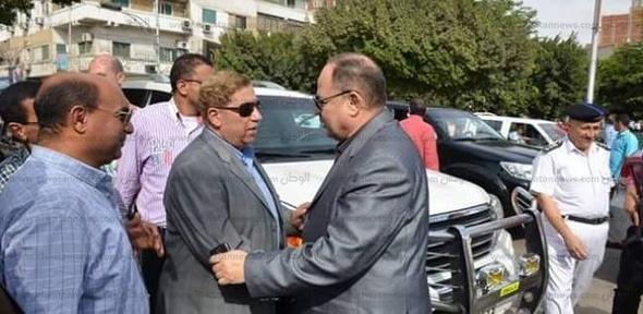 محافظ الإسماعيلية ومدير الأمن يتفقدا الميادين والشوارع الفارغة
