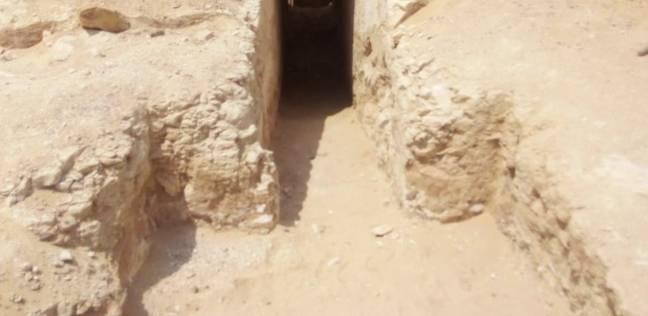 بالصور| اكتشاف مقبرة صخرية شمال شرق هرم سنوسرت الأول باللشت