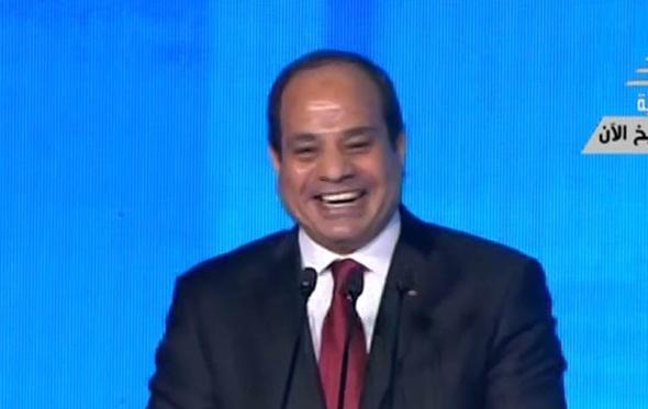 فيديو.. تعليق الرئيس السيسي على التصفيق الحاد له خلال كلمته
