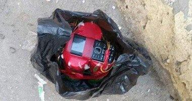 تفكيك قنبلة بدائية عثر عليها مواطن بجوار كشك كهرباء فى الخانكة