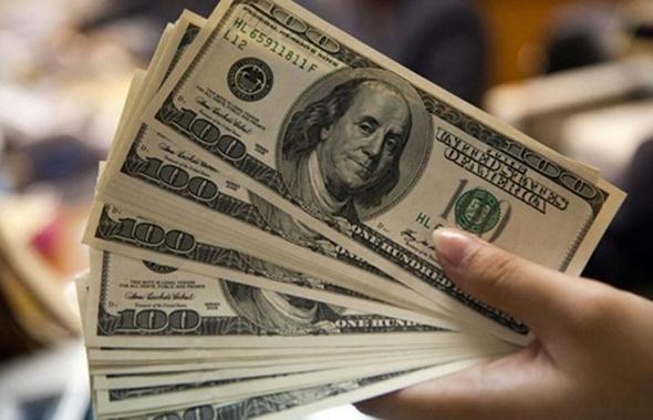 تفاوت أسعار الدولار في البنوك المصرية