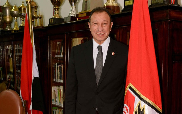 الخطيب رئيسا لبعثة الأهلي في تونس