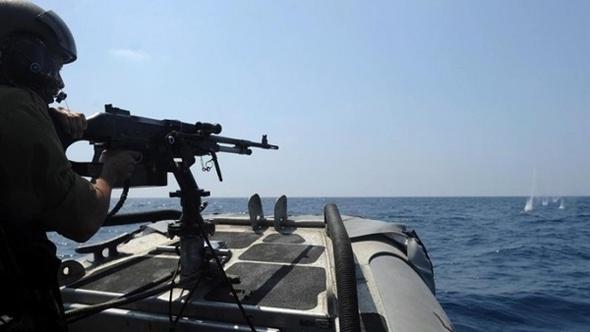 زوارق الاحتلال تستهدف مراكب صيادين فلسطينيين قبالة الشواطئ السودانية